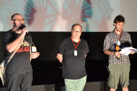 Rodrigo aragão apresentando o seu filme (foto: Pedro Corso de Albuquerque)
