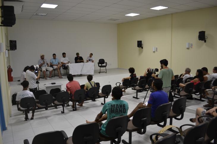 Debate no  Centro de Cultura (Foto: Pedro Corso de Albuquerque)