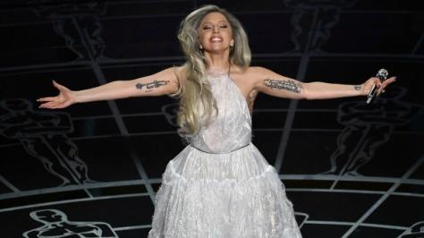 Lady Gaga tem performance magistral no Oscar.
