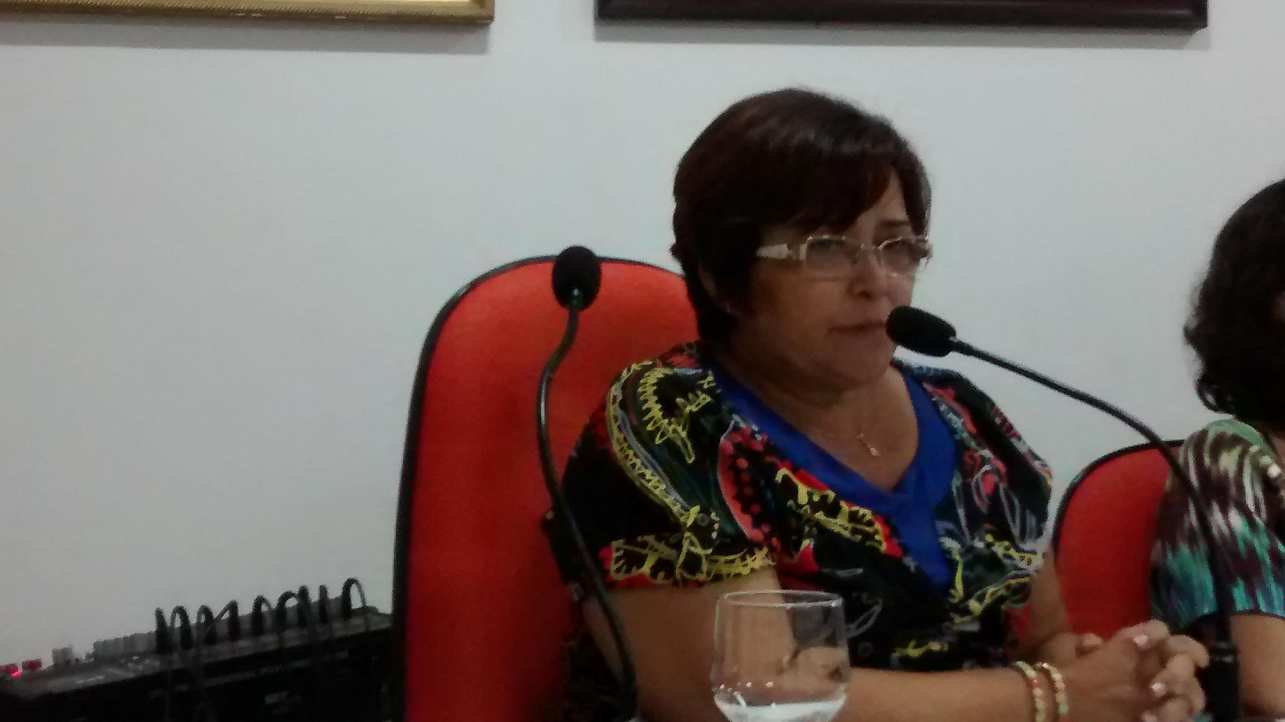Secretária adjunta Socorro Barbosa.