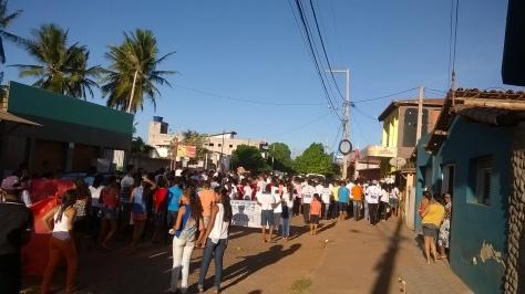Marcha reuniu cerca de 350 crianças e adolescentes.