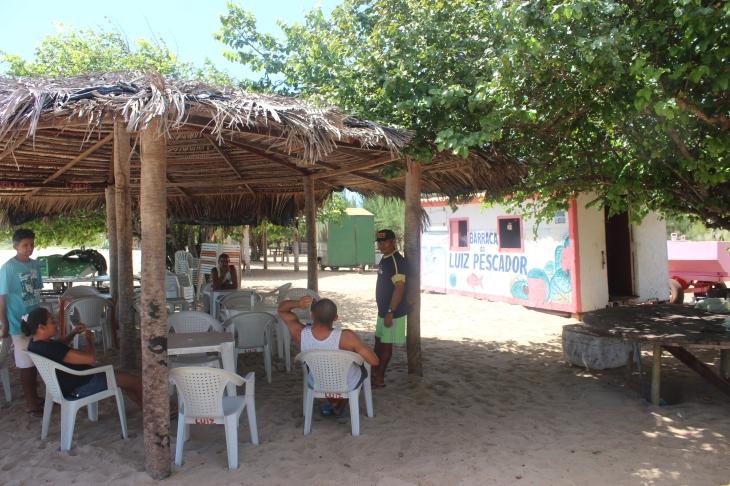 Tendas foram construídas e hoje são fonte de renda (Foto: Fernando Miranda)