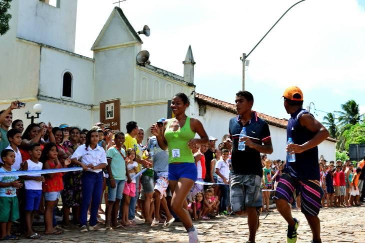 Chegada da vencedora gostosense  (Foto: Ariclenes Silva)
