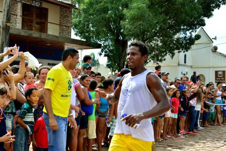 Chegada do vencedor gostosense da corrida de pedestre masculina  (Foto: Ariclenes Silva)