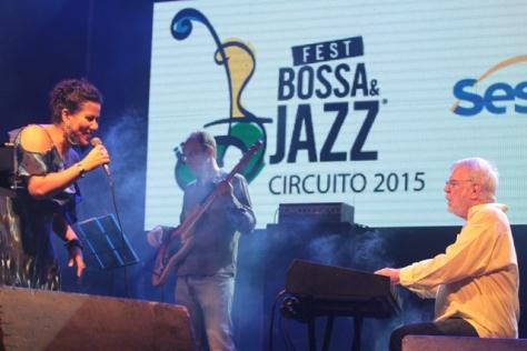 Indiana Nomma e Oscar Milito Trio deram show (Foto: Rogério Correia)