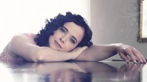 Cantora Lysia Condé