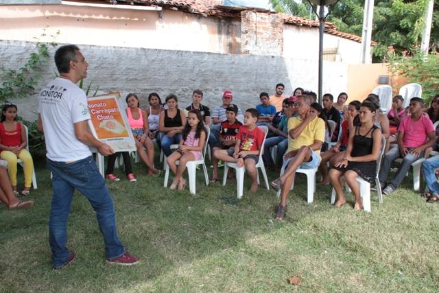 Marco Miranda conversa com crianças, jovens e adultos (Foto: Rogério Correia)