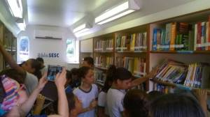 Biblioteca do Sesc incentivando a leitura.