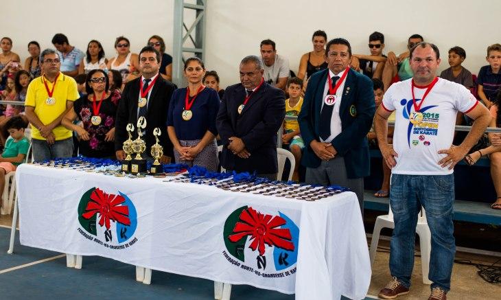 Mesa da cerimônia de abertura