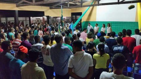 Mais de 300 pessoas se fizeram presentes ao evento.
