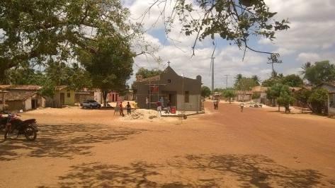 Comunidade da Tabua faz multirão e começa reforma da capela.
