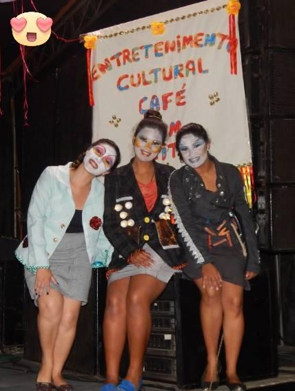 Imagem: Auxiliadora, Rozangela e Maria Airis, sócias do empreendimento após a apresentação.