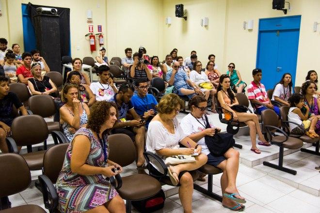 Público compareceu ao debate.