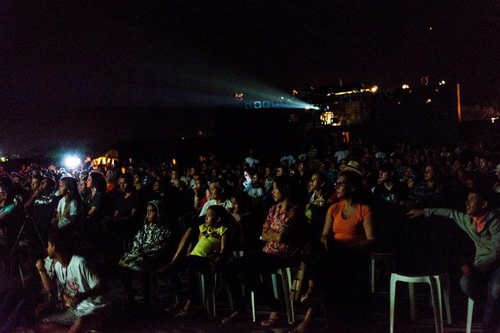 Público de aproximadamente 1000 pessoas nas areias da Praia do Maceió.