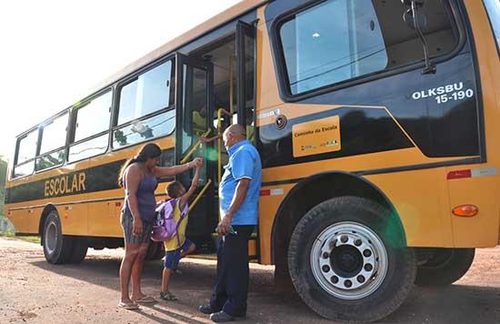 FALTA DE TRANSPORTE ESCOLAR NOVAMENTE AMEAÇA QUALIDADE DA EDUCAÇÃO