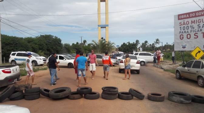 MOTORISTAS DE ALTERNATIVOS DECIDEM FECHAR PRINCIPAL VIA DE GOSTOSO NESTA SEXTA-FEIRA (25)