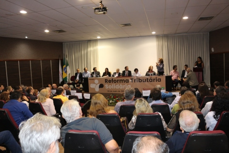 Zenaide Maia no Seminário Reforma Tributária Solidária (4)