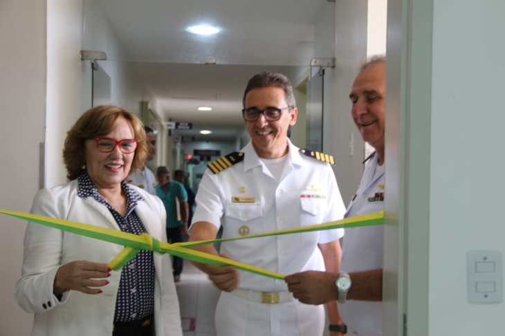 Zenaide Maia no Hospital da Marinha