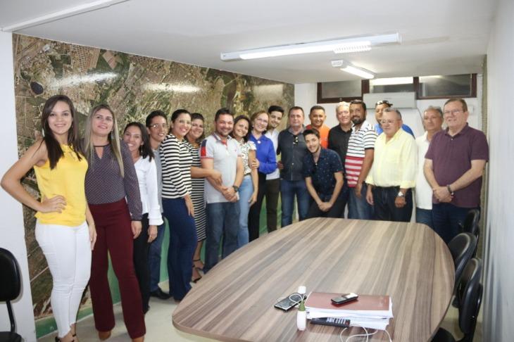 Zenaide Maia com Grupo de Sítio Novo