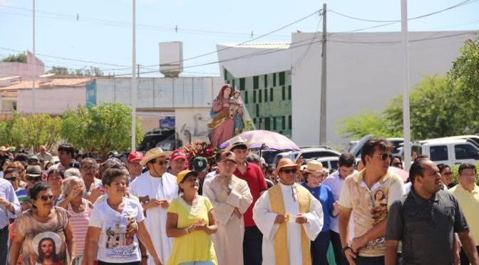 ZENAIDE MAIA PARTICIPA DA FESTA DE SANT'ANA EM CURRAIS NOVOS