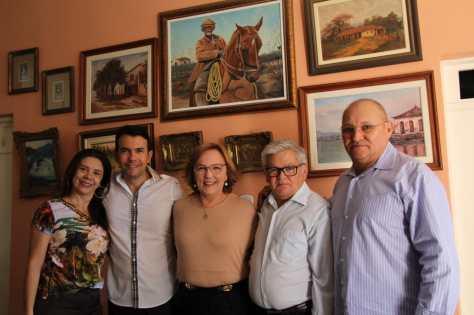 Zenaide e ex-prefeito Padre Jocimar, e vereadores Andreia Araújo, Dedé do Consórcio, e Zé da Noite