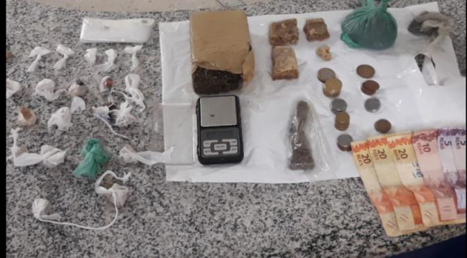 POLÍCIA MILITAR DE SÃO MIGUEL DO GOSTOSO LOCALIZA DROGAS E ARMA NA MANHÃ DE HOJE