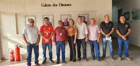 IFRN Mossoró recebida pelo diretor e professores