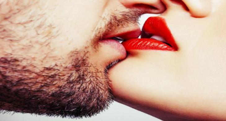 beijo-de-lc3adngua-passo-a-passo